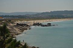 Underbar Foxos strand på La Lanzada i Noalla Natur arkitektur, historia, lopp Augusti 19, 2014 Noalla Pontevedra, Galicia royaltyfri bild