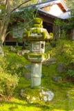 Underbar japanträdgård fotografering för bildbyråer