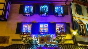 Underbar jul som markerar i Colmar, Alsace, Frankrike Stre Royaltyfria Bilder