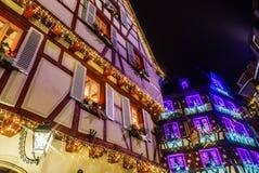 Underbar jul som markerar i Colmar, Alsace, Frankrike Stre Arkivbilder
