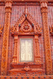 underbara glasade fönster för templeththailand tegelplatta Royaltyfri Bild