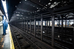 Underground Empty Subway Station Dock in New York City on line t stock image