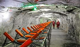 Free Underground Platinum Palladium Mining And Equipment Royalty Free Stock Images - 138283459