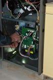 Underhåll för hem för reparation för gaspanna royaltyfri bild