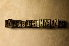 UNDERHÅLLNING - närbild av det typsatta ordet för grungy tappning på metallbakgrunden vektor illustrationer