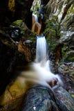 Underjordisk flod från den Cetatile Ponorului grottan Royaltyfri Fotografi