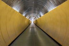 Underjordisk fot- tunnel Perspektiv med modern design Fotografering för Bildbyråer
