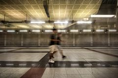 Underjordisk gångtunnelstation på Aten, Grekland Arkivbilder