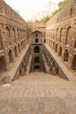 Underjordisk moment-brunn Ugrasen ki Baoli Royaltyfria Bilder