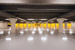 Underjordisk parkering i Odense, Danmark Arkivbild