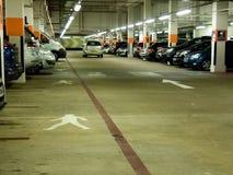 Underjordisk parkeringshus Arkivbilder