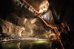 Underjordisk sjö i Wieliczka salta miner Arkivfoto