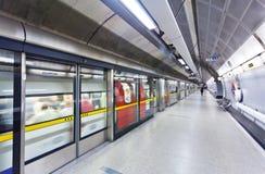 Underjordisk station royaltyfria bilder