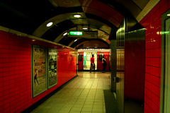 Underjordisk station i London Royaltyfri Fotografi