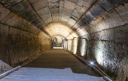 Underjordisk tunnel som byggs av riddarna Templar som passerar under fästningen i den gamla staden av tunnlandet i Israel fotografering för bildbyråer