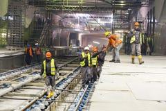 Underjordiska gångtunneltunnelarbetare royaltyfri bild
