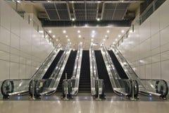 underjordiska rulltrappatunneler Arkivfoto