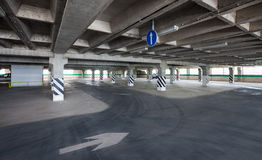 Underjordiskt garage Royaltyfria Bilder