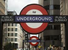 Underjordiskt tecken av London arkivfoto
