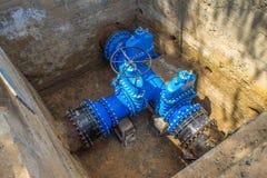 Underjordiskt vattenförsörjningsystem Stora ventiler n Royaltyfria Bilder