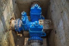 Underjordiskt vattenförsörjningsystem Stora ventiler n Fotografering för Bildbyråer
