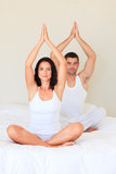 underlagpar som gör yoga Royaltyfri Fotografi