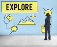 Undersök det utforskareResearch Searching Study begreppet Arkivbild