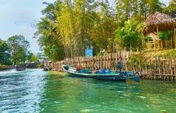 Undersök små viker av Inle sjön, Myanmar Royaltyfri Fotografi