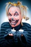 undersöker flickan halloween Royaltyfri Fotografi