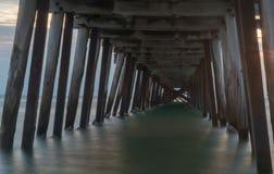 Underside λιμενοβραχιόνων Στοκ φωτογραφία με δικαίωμα ελεύθερης χρήσης