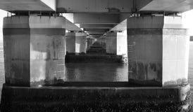 Underside της οδικής γέφυρας Tay στοκ εικόνα