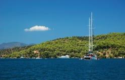 undersökande segla för greece öar Royaltyfri Bild