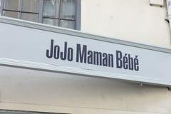 Underteckna för JoJo Maman Bebe i York, Yorkshire, Förenade kungariket - 4t royaltyfria foton