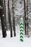 Underteckna i vinterskogen Royaltyfria Bilder