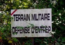Underteckna militärjordning, försvar av att skriva in Arkivbild