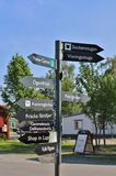Undertecknar in den Gammelstad kyrkastaden Royaltyfri Foto