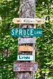 undertecknar gatan Arkivbilder