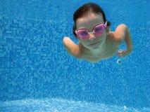 undervattens- barn Royaltyfria Bilder
