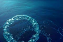 Undervattens- bubblor med solljus Undervattens- bakgrundsbubblor Arkivbild