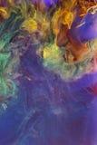 Undervattens- färgrika flytande abstrakt färgrik sammansättning Arkivfoton