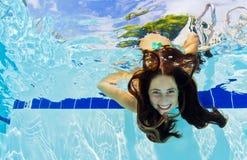 Undervattens- flicka Arkivbild