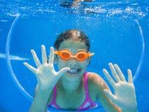 Undervattens- flicka Royaltyfria Bilder
