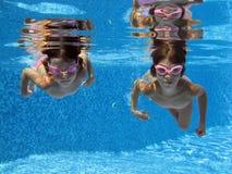 undervattens- flickor Royaltyfri Foto