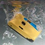 Undervattens- kamera som tar en dyk Arkivbilder