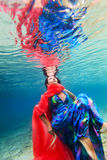 Undervattens- kvinna Arkivfoton
