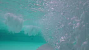 Undervattens- skott för bubbelpool arkivfilmer
