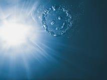 Undervattens- smileyframsida, undervattens- sommar för cirkelbubbla Royaltyfri Fotografi