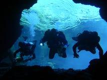 undervattens- undersökning för 4 grottor Fotografering för Bildbyråer