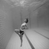 Underwater in a pool Royalty Free Stock Images