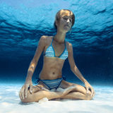 Underwater yoga Royalty Free Stock Photos